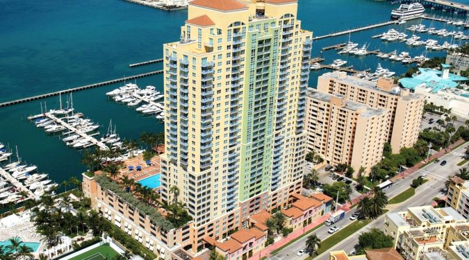 09 90 Alton Road unit 1907 Miami Beach FL immobiliareusa it 675x375 - CASE A MIAMI BEACH