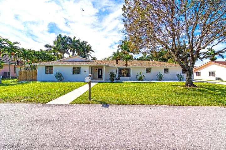 12-26-ne-161st-miami-fl-immobiliareusa-it