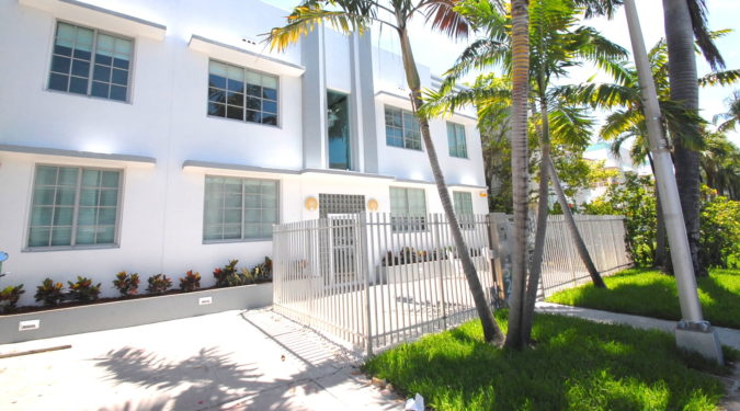 000 526 15th street unit 4 miami beach fl immobiliareusa it min 675x375 - CASE A MIAMI BEACH