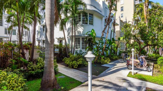 1000 meridian ave unit 15 miami beach fl immobiliareusa it 00 1 675x375 - CASE A MIAMI BEACH