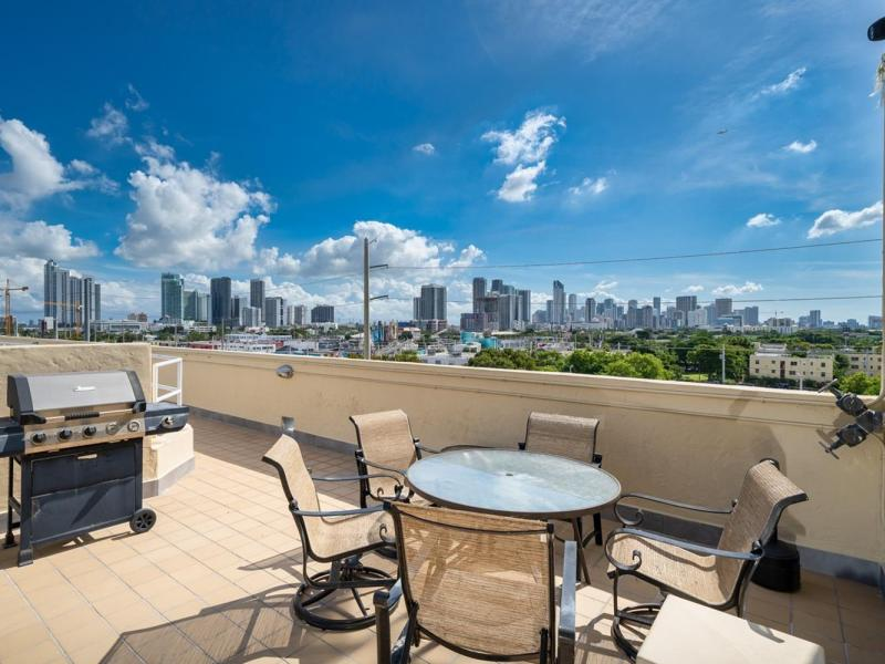 250-nw-23-street-unit-304-miami-fl-immobiliareusa-it-10